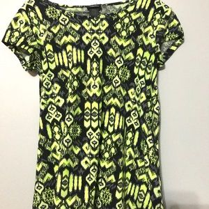 Women's Rue21 like green & black Aztec T-shirt